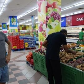 nous voici donc le lendemain au supermarché pour acheter les derniers ingrédients,